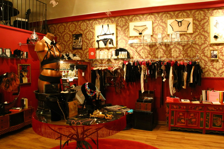 Zou Zou, luxury erotic shopping nel cuore di Roma