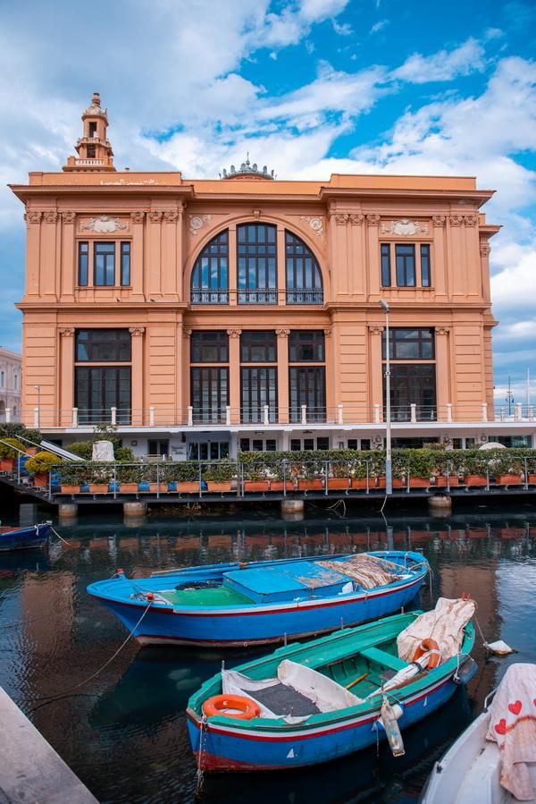 Teatro Margherita. Foto © Antonio Leo