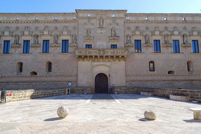 Castello de'Monti, Corigliano d'Otranto. Foto © Mauro Orrico