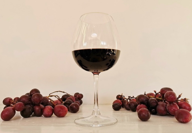 Il vino Negroamaro. Foto © Mauro Orrico