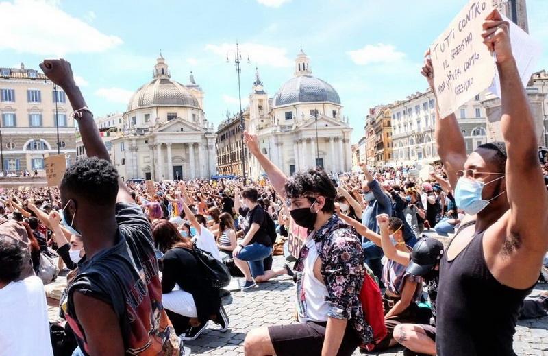 Roma, Piazza del Popolo (Foto: peopleforplanet.it)