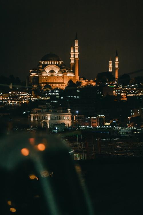 İstanbul © Tolga Ahmetler