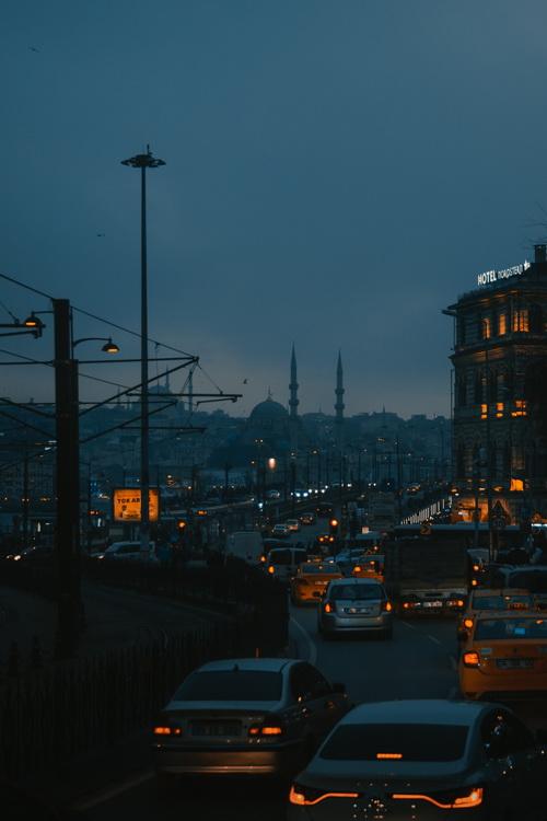 Galata Köprüsü, Beyoğlu-İstanbul © Tolga Ahmetler