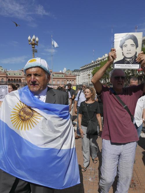 Protest in Photo-book di Luciano Zuccaccia- per Charta Festival